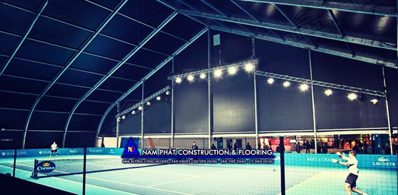 sân tennis đạt chuẩn